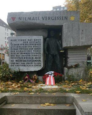 NIEMALS VERGESSEN WienGo ✅ _________________ #niemalsvergessen #never #neverforget #holocaust #wien #vienna #viennanow #viennacity ...