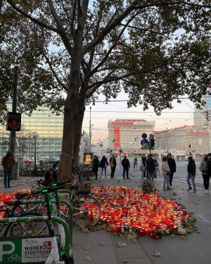 #Schwedenplatz 5 Tage nach dem #Terroranschlag in #Wien #Trauer um die Opfer