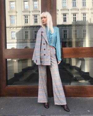 We wish you a #goodstarttotheweek ❤️ Ingrid #wearing our #newin #pants for €119,- , #blouse for €129,-...