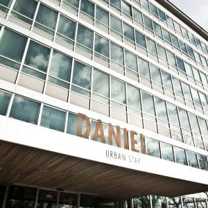 Perspektivenwechsel bei uns im Daniel Vienna! 👀 Momentan könnt ihr unser Hotel zwar nur von außen bewundern,...