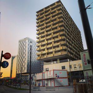 nachbarschaft in the making... #sonnwendviertel #snnwndvrtl #sonnwendviertelliebe #favoriten #wienzehn #zehnterhieb #1100wien #wien #wienliebe ...