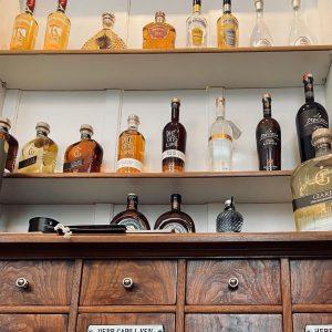 Wusstet ihr, dass das @alimentari_wien eine der größten Grappa Sammlungen in Österreich hat. Im Shop findet ihr...