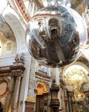 Last year in Vienna and Tomás Saraceno's installation in Karlskirche #tomassaraceno #barocco #baroque #contemporaryart #installationart #installation #carloborromeo...