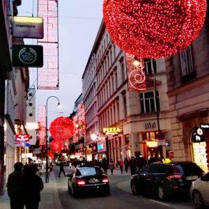 #vienna #wien #wieden #durchWienspaziert #takeawalkwithme #spazieren #innenstadt #inneretadt #1010wien #stadtwien #viennacity #viennablogging #viennabloggerin #viennalove