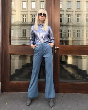 #tgif 💯 Ingrid is #readyfortheweekend in our #newin #disco inspired #blouse for €89,- and #pants for €79,-...