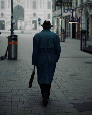 wienerblicke @16erblech_ ******************** #wienerblicke #streetsineurope #wien #vienna #streetphotography #streetdreamsmag #shotsdelight #streetfinder #1000thingsinvienna #untoldstreets ...