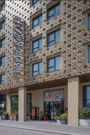 Hotel Schani Wien, mit @doris.schwarzkoenig www.hotelschani.com . . . . #architekt #architekturfotografie #architecturephotography #hotelschaniwien #derarchitekturfotograf #canon #tiltshift...