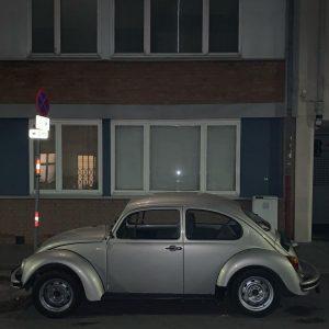 geblitzt. #VW #käfer #volkswagen #wattmanngasse #hietzing #beverlyhietzing #wienliebe #wienamsonntag #wienmalanders #carstagram #carporn #carsofvienna #wienundseineautos #soloparking #faltersbestofvienna #oesterreichbild_azw...
