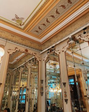 Because you wanted to have a closer look at our DEMEL Café, here ...