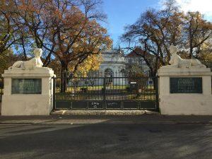 #november #autumnvibes🍁 #wieden #nofilter #wienliebe❤ #vienna Belvedere Gardens, Vienna