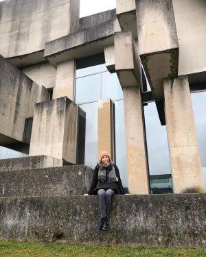 WOTRUBAKIRCHE #architecture #concrete #brutalism #mauer #igersvienna #sculpture #kirchezurheiligstendreifaltigkeit #fritzwotruba #fritzmayer #weekendtrip Wotrubakirche