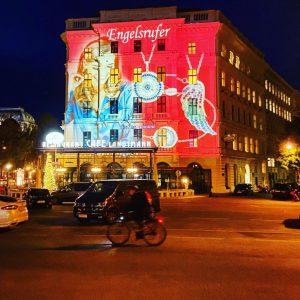 Alles Werbung #cafelandtmann #burgtheater #adventkalender #engelsrufer #latergram #wien #vienna #igersvienna #werbung #advertising #xmas ...
