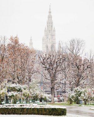 Ist das etwa... ja, Schnee! 😍❄️ Was für eine schöne Überraschung das war, als wir heute aus...