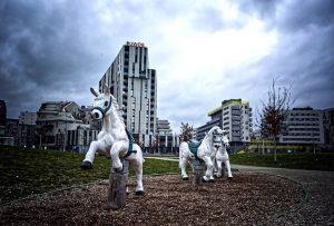 Hopp, hopp, hopp, Pferdchen lauf Galopp! __ #vienna 2020 __ #igersaustria #igersvienna #streetphotography #urbanphotography #urbanandstreet #urbanromantix #citygrammers...