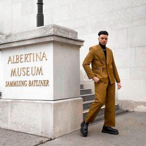 Suit mode on ✨ . . . #vienna #austria #streetstyle #streetwear #ootd #igersvienna