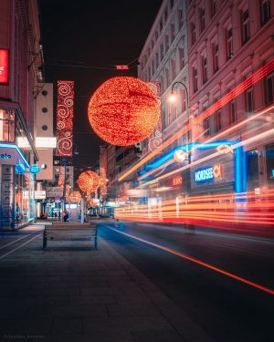 """Playing with lights 💡This is the famous """"Rotenturmstrasse"""" near Staphansdom. #longexposure #longexposure_shots #streetphotography #vienna #wien #lights #christmas..."""