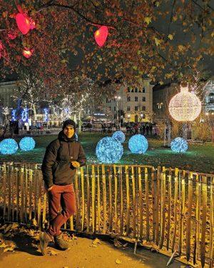 Novogodisnja carolija😍🤩🎊🥰🎉🎄 Uzivaj u svakome trenutku 🍀😍 #christmas #christmastime #newyear #vienna #viennanight #wien #austria #smile #happiness #emotions...