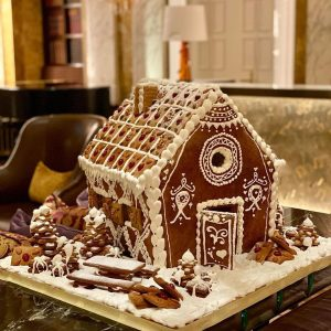 We absolutely 🤎 the gingerbread house created by the chef pâtissière from the ...