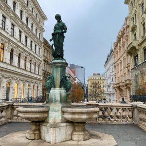 Gänsemädchenbrunnen (6,Mariahilferstraße ) # # # # # # # # # # ...