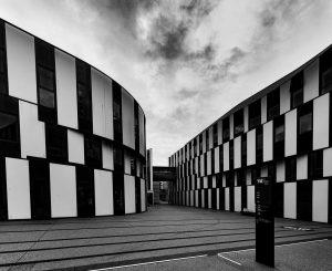 Black and white architecture . . . #vienna #wien #igersaustria #architecture #architecturephotography #artofvisuals #visualambassadors #blackandwhitephotography #architexture #blackandwhite...
