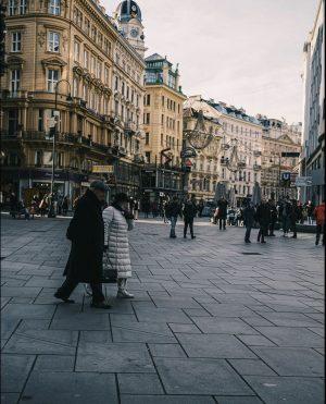 ➕ ⠀ ------------⠀ ⠀ ⠀ #500px #feelaustria #theweekoninstagram #diewocheaufinstagram #liveauthentic #Vienna #streetstyle #sonyalpha #streetsofvienna #wonderful_places #ig_austria #igersvienna...