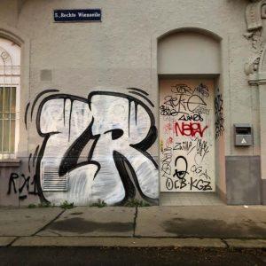 LR • • • • • • #Grafspotter #graffiti #graffitiart #tags #taggingart #tagginglifestyle #graffitistyle