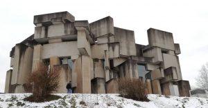 Die WienerInnen kennen sie alle: Die Wotruba Kirche im Stadtteil Mauer. Der Bildhauer Fritz Wotruba wollte