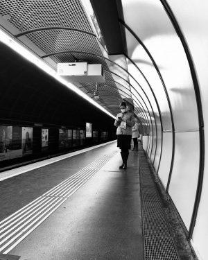 #wienerlinien#und#linien:) #handyfoto#women #mystreet_bnw #photooftheday#peoplephotography#streetphotographyintheworld#streetphotographqy#streetlife#lensculture#afp#worldpressphoto#streetofvienna#wienstagram#featureshoot#friendsinperson#vienna#visitaustria#austria#afp#streetphotographyinternational#vienna#nytimes#magnumphotos#reuters#friendsinprofile#blackandwhitephotography#kurdbnw#streetphotographersfdn#afpphoto