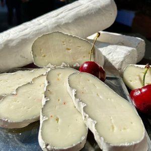 Der Schafskäse von Pranz aus unserem aktuellen Sortiment ist wahre Käsekunst. Der überwiegende Teil der Herstellung besteht...
