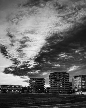 Clouds 📌Krieau, Vienna •⠀ •⠀ •⠀ •⠀ •⠀ •⠀ •⠀ •⠀ •⠀ •⠀ •⠀ ✁------------------------------------------- #urbanphotography #fotografiaurbana...