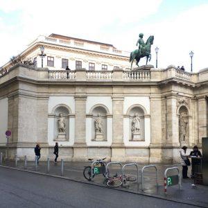 Albertina Platz. 😍😍 #austria #österreich #wien #vienna #vienna_city #albertina #albertinamuseum #arabic #algeria #maghreb ...