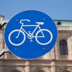#wienfacts: In Wien gibt es derzeit rund 49.100 öffentliche Radabstellplätze 🚲 #wienwirdwow #fahrradwien ...