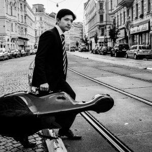 Der Wiener Stadtmusikant Ich finde Alsergrund ist so wie ein Wiener mini Paris. ...