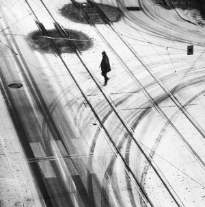 #human_in_geometry #snow #winter #man #streetphotography #street #streetphotographersmagazine #nikonphotography #nikon #art #monochrome #blackandwhitephotography #blackandwhite ...