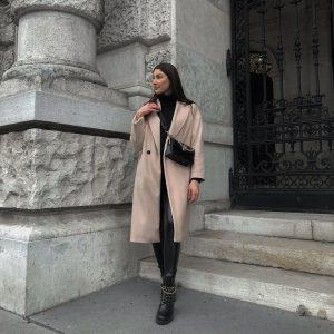 ✨ . . . #photography #citystroll #winteroutfit #ootdinspo #fashionstyle #styleinspo #inspo #bloggerstyle #vienna