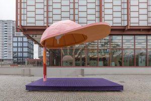 Hello Sculpture Garden @belvedere21wien 💗🧢💗 Maruša Sagadin B-Girls, Go! Stahl, Holz, Lack 350 x 280 x 440...