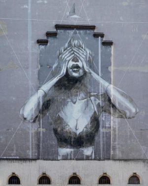 The immense gap between past and future🎨 Artist: @faith47 . . . . #documentingspace #vienna #wienstagram #igersvienna...