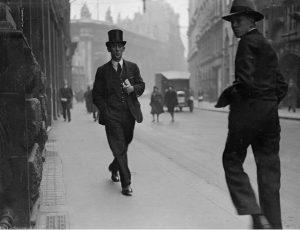 Wir wünschen einen eleganten Start in die neue Woche! Bild: London 1931 #gentleman ...