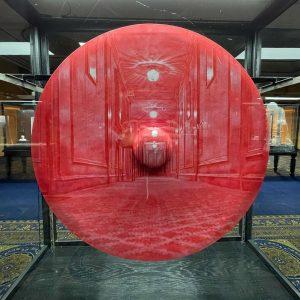 Im gespenstisch leeren Hotel findet gerade die @interconti.wien Kunstmesse statt. Besucht werden kann sie nur digital! #interconti...