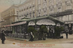 Graben - Kiosk Korb (Außenstelle des Café Korb) Rauchfreier Cafe Salon Mezzanin. Postkarte 1909. Wien Museum.