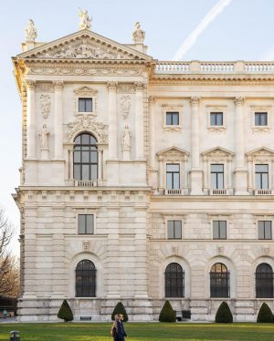 How do you like our special series about the façade of #WeltmuseumWien so far? By now, we...