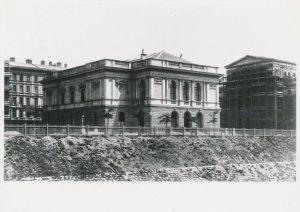 #StorySunday KÜNSTLERHAUS HISTORY >>>Chapter 6: Wie soll es aussehen, das Künstlerhaus? Bei einer Ausschreibung von 1861 brachte...