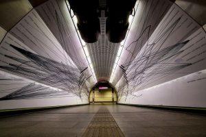 I wish you a great Sunday #schottentor #subway #station #underground #wienerlinien #perspective #vanishingpoint ...