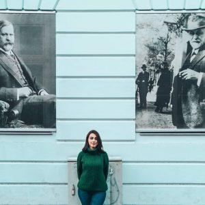 Freud'un Avusturya'daki evini ziyaret ettiğimde büyük bölümü tadilatta olduğu için biraz üzülmüştüm. * Freud Müzesi'nin çok daha...