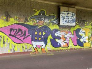 """""""Ich bin der Schrecken, der die Nacht durchflattert"""" 😍 . . . . . . . #graffiti..."""