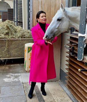 ...проверим, как там лошадки..🐎🐎🐎 Let's check horses 🐴😍 @spanischehofreitschule #concertiscoming