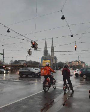 #wien #wienliebe #vienna #schottentor #votivkirche #schnee #snowinthecity #citystreets #citypicz #cityohotography #photooftheday #photo #photographie ...