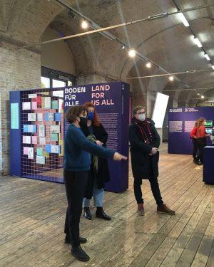 Gestern besuchte der Rektor der Akademie der bildenden Künste, Johan Hartle, anlässlich der ...