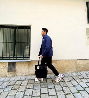back @ it - - #vsco#nike#sacai#nikesacaivaporwaffle#carhartt#zara#zaramen#weekday#mensfashion#menstyle#fitcheck#fit#styleinspo#casual#simplefits#afterlight#darkroom#picsart#ootd#vienna#stephansplatz#1120#fashioninspo#streetwear