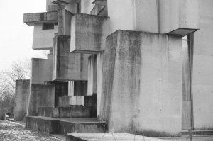 . . . . . #fomapan200 #bnw_captures #bwmasters #architecturephotography #35mm #excellent_bnw #filmcommunity #blackandwhite_perfection #film #vintagefeelsmagazine #bnw_planet #bnw_society...